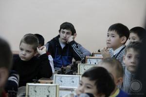 Внимательные слушатели перед новогодним блиц-турниром