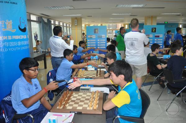 Матч Индия-Казахстан на первом столе на Детской Шахматной Олимпиаде