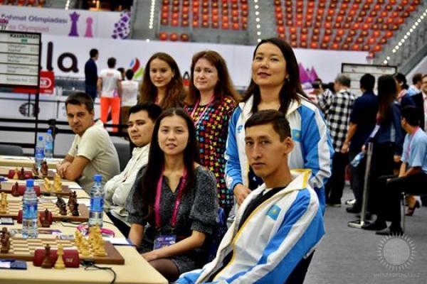 Sbornie-Kazahstana-pered-matchem