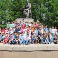 Участники турнира у памятника Ахмету Байтурсынову